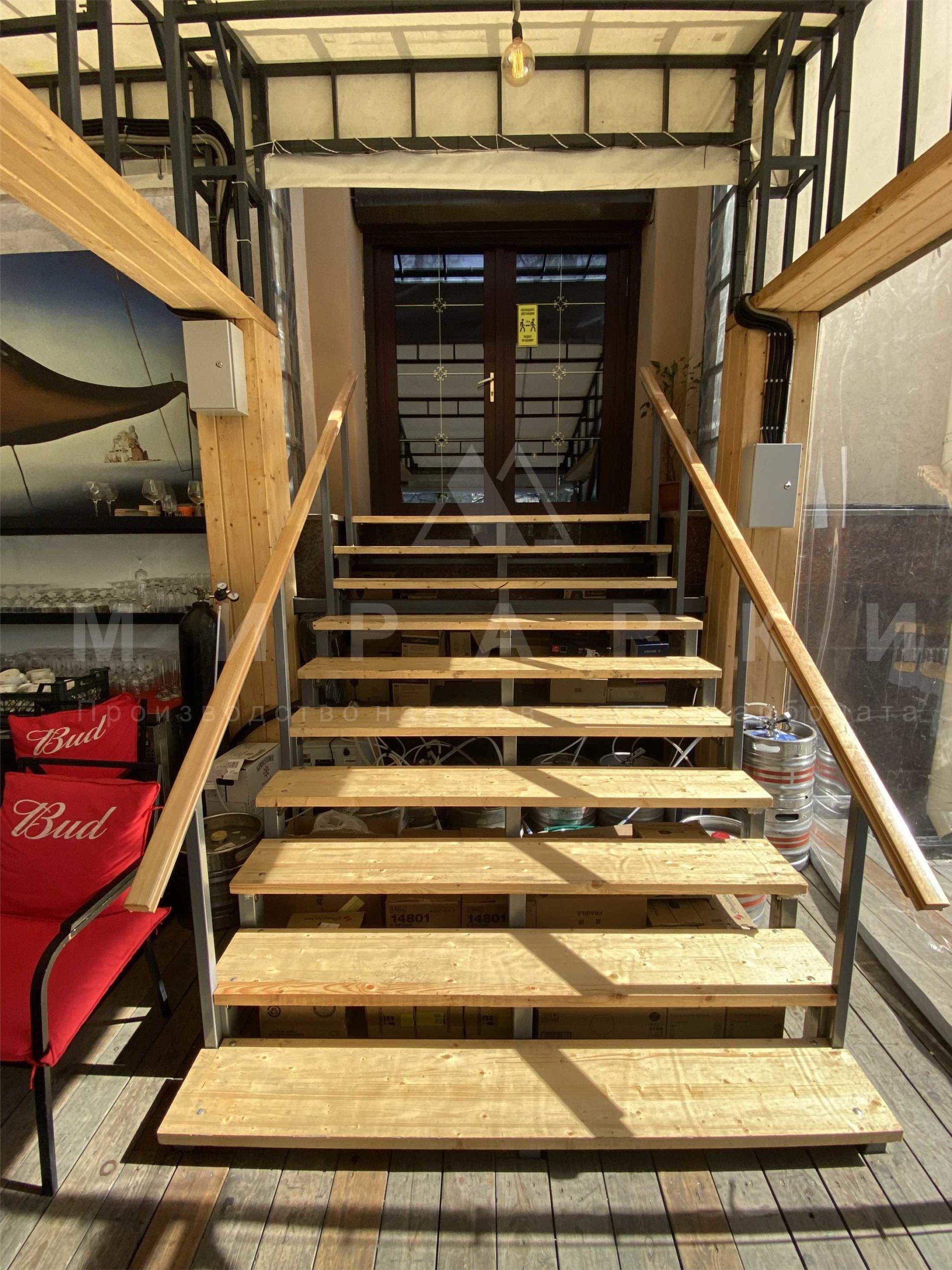 Лестница в «Baga Bar»